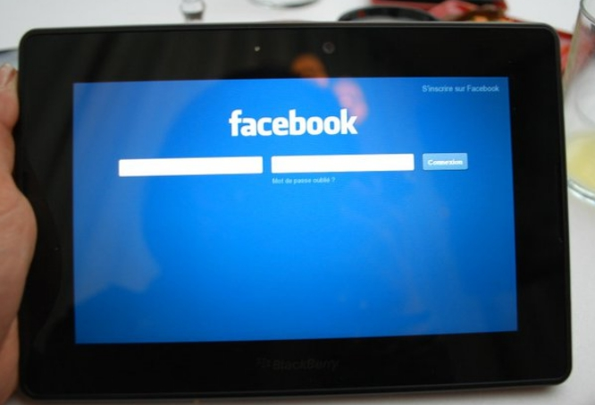 PlayBook-Facebook