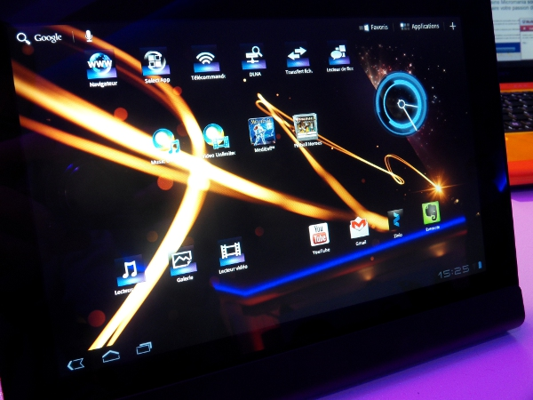 Sony Tablet S close-up