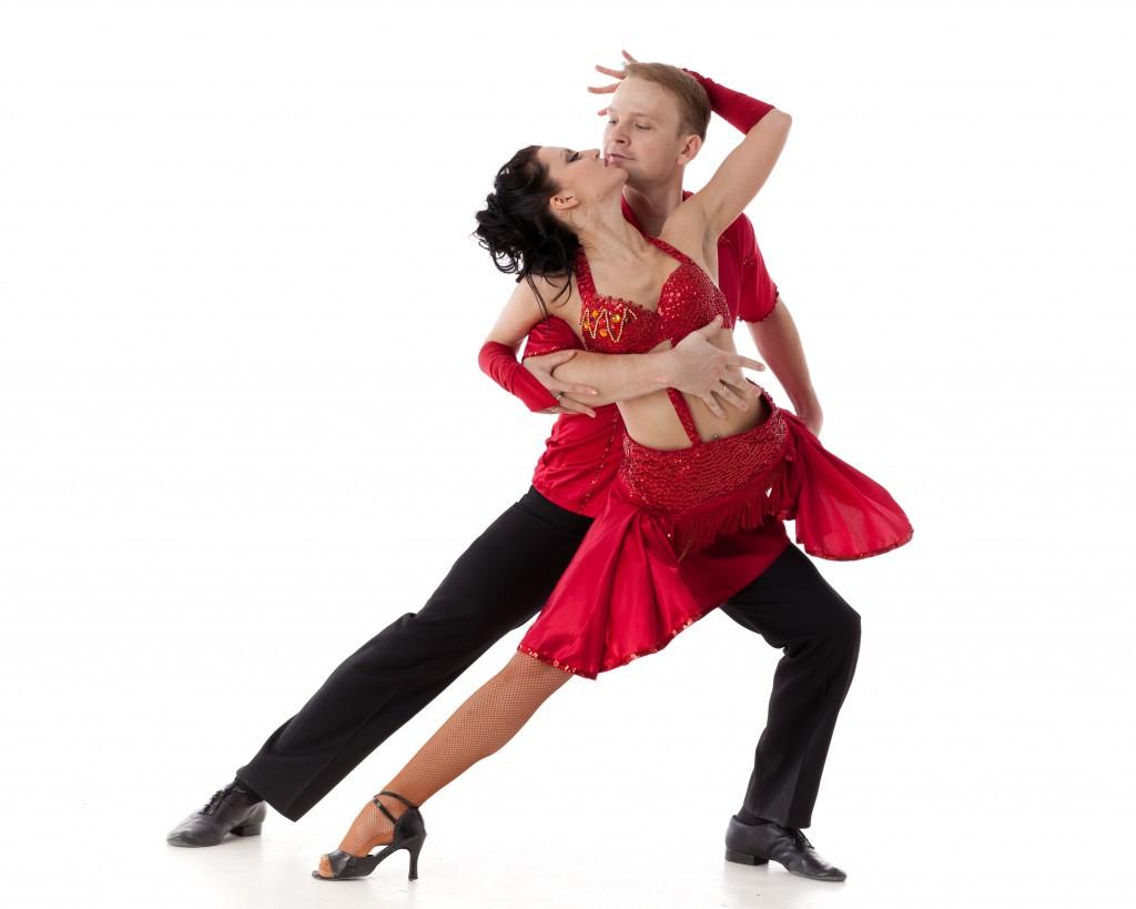 Танцующие молодые девушки 20 фотография