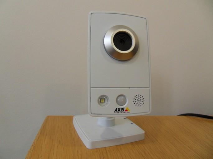 Caméra IP Axis M1031-W objectif