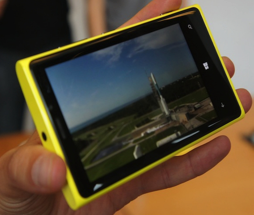 Nokia Lumia 920 : écran