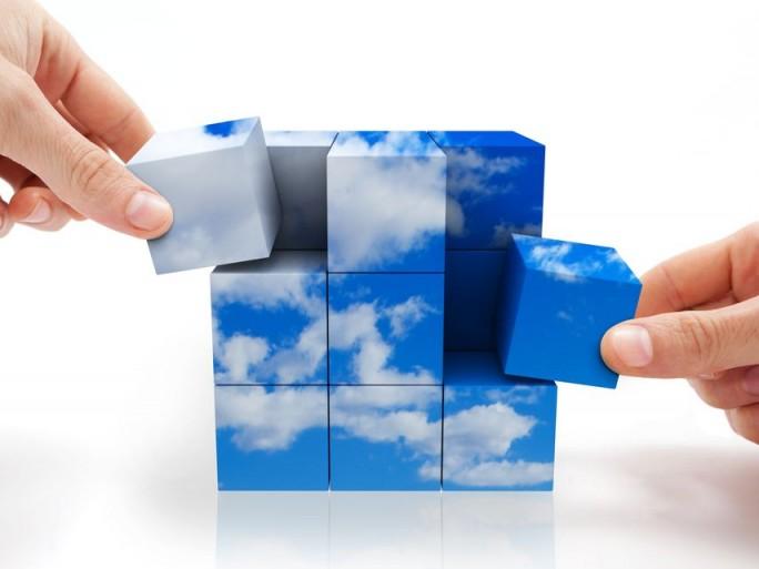 cloud-accenture-salesforce-social-management