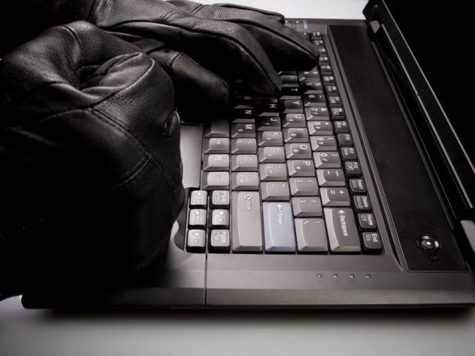 google gmail-Copyright Blasbike-Shutterstock.com