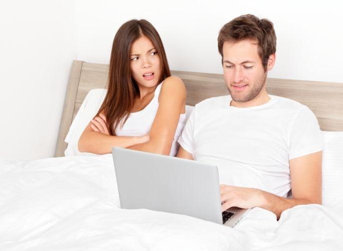 reseau-social-sexe-addiction-facebook-twitter-nerds