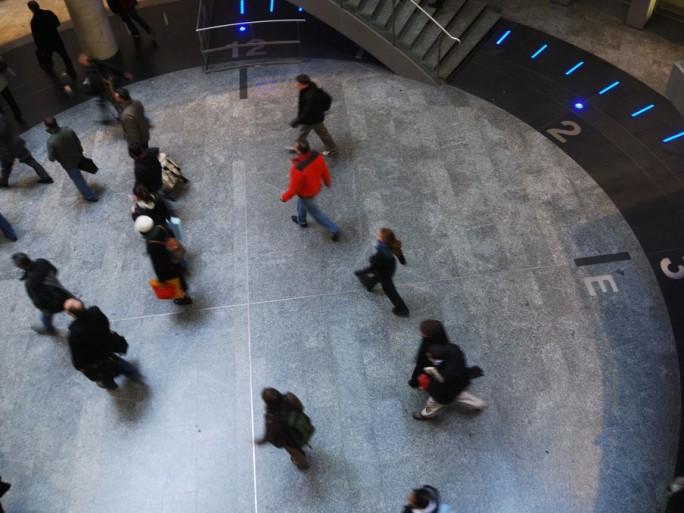 rue-du-commerce-shopping-wall-altarea-cogedim-gares