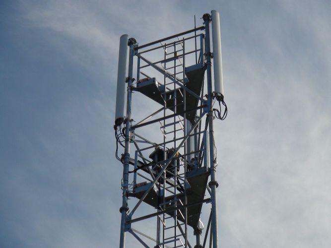 free-mobile-ufc-que-choisir-qualite-service-3G-xavier-niel