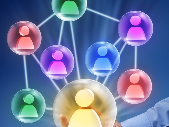 relation client akio sfr business team