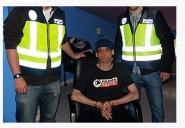 sk-entoure-police-espagnole