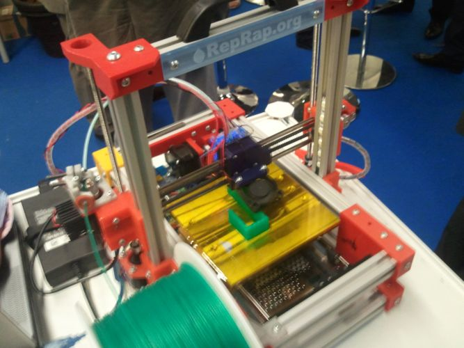 mprimante-3D-emmanuel-gilloz-maker-salon-planete-pme