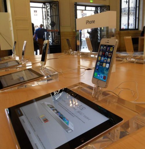 apple-store-opera-iphone-5s