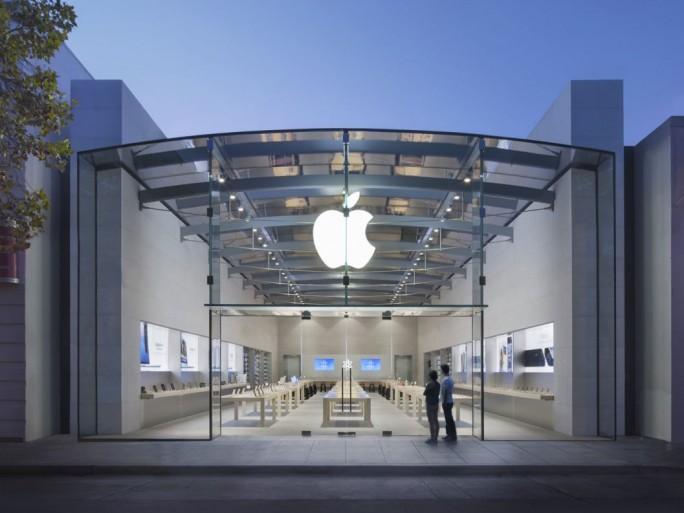 apple store bient t des ateliers de r parations pour iphone. Black Bedroom Furniture Sets. Home Design Ideas