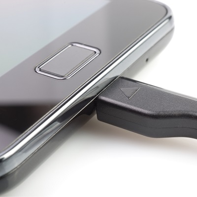 chargeur-universel-tablette-smartphone
