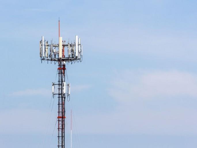 bouygues-telecom-free-mobile-acces-sites
