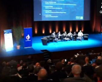 manuel-valls-FIC-2014-twitter-cybermenaces-permis-internet-ok