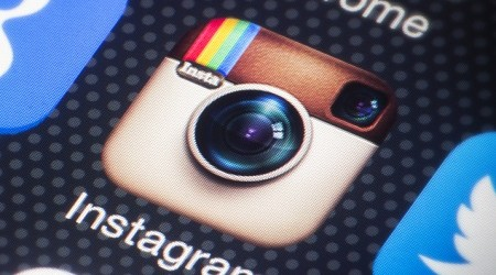 instagram-twitter-smartphone-usa