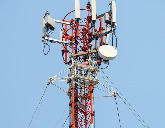 mutualisation-reseaux-orange-vs-sfr-bouygues-telecom