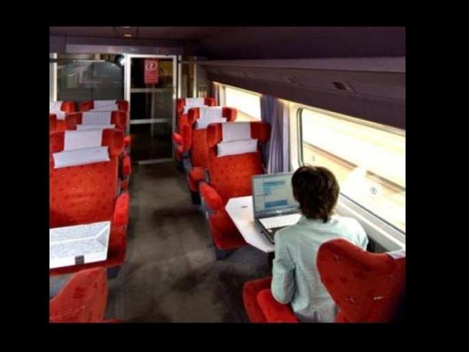 wi-fi-train-sncf-axelle-lemaire