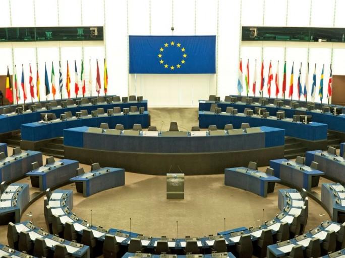 google-scinde-en-deux-parlement-europeen-confirme-pleinière