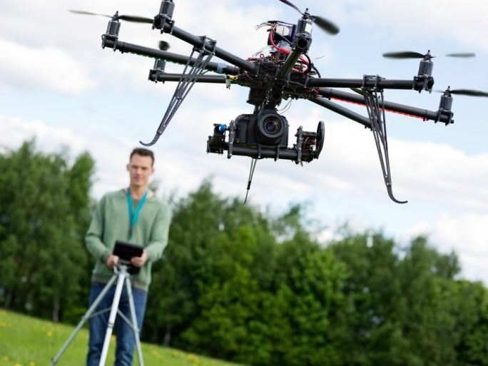 R&Drone