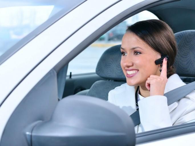 oreillettes-volant-voiture-interdiction