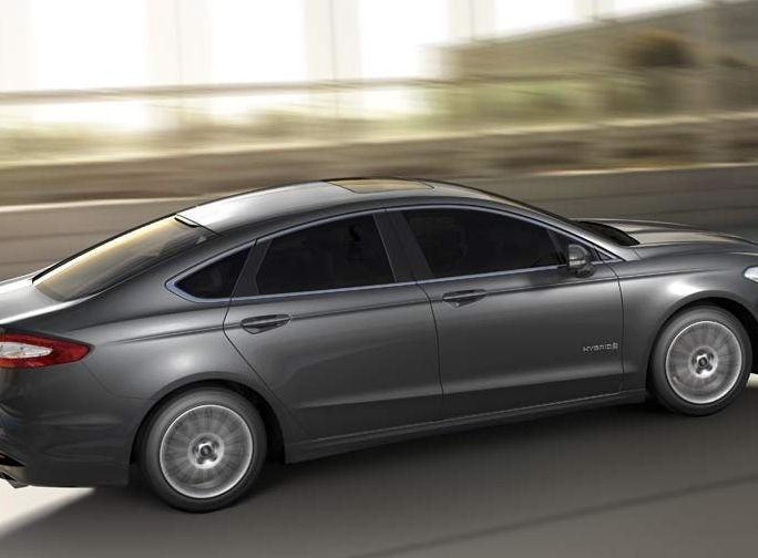 ford-fusion-hybrid-2016