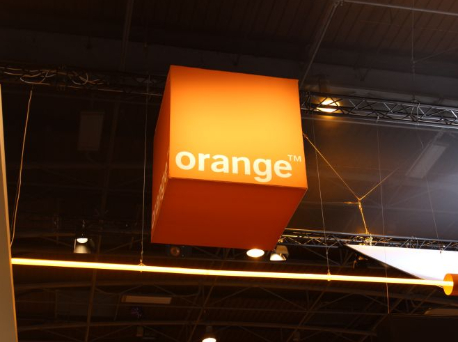 orange-datami-veniam-wevr
