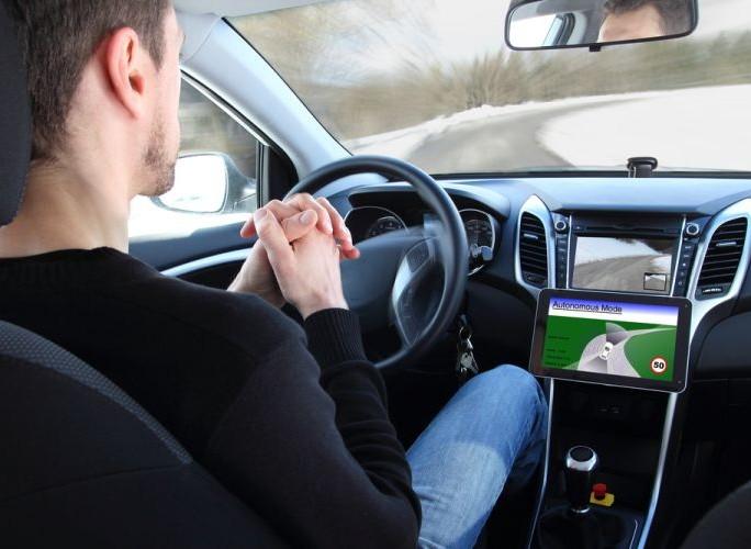 voiture-autonome-onu-leve-freins-reglementaires
