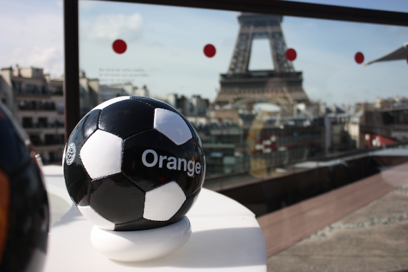 orange-euro-2016-tour-eiffel