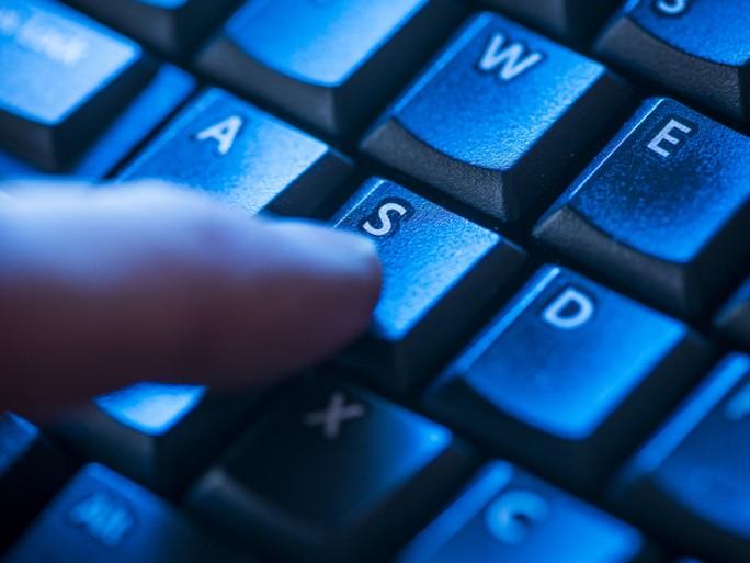 Yahoo, Dropbox, LinkedIn    Gros hacks en petit comité