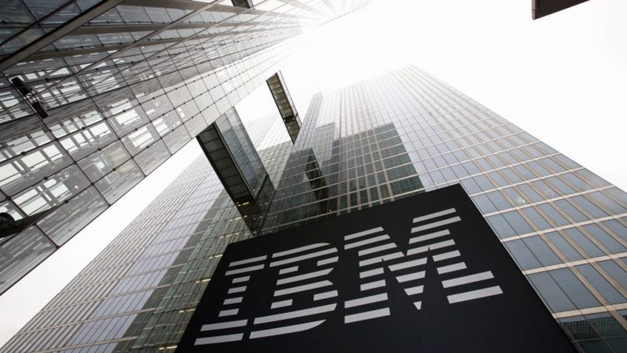 Intelligence artificielle : IBM et Salesforce font matcher Watson ...