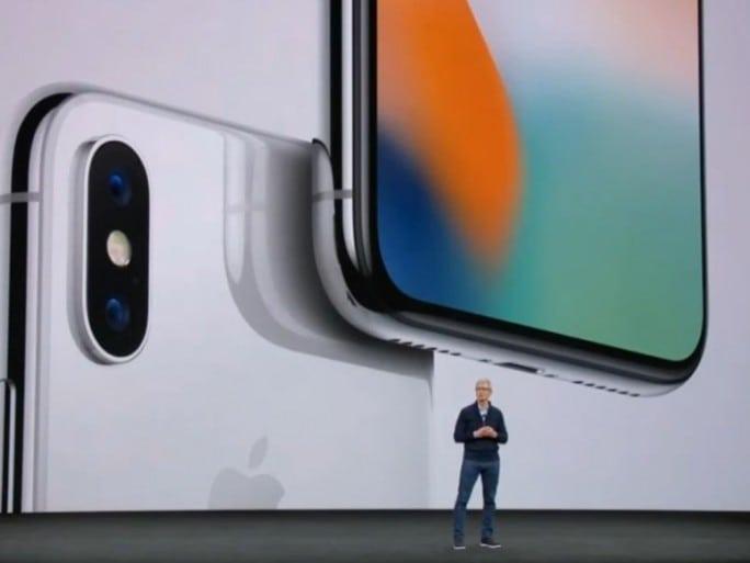 iphone-x-tim-cook-apple-une