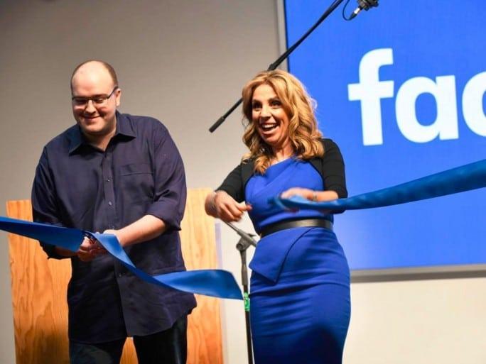 facebook-UK-extension